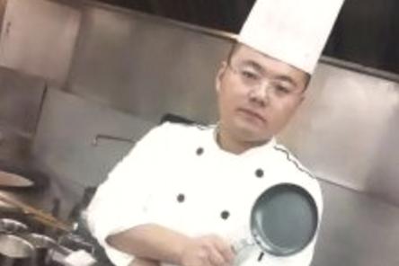 王青海:茹素五载,心怀悲悯